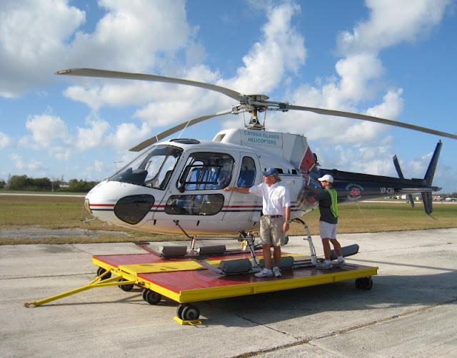 Hubschrauber auf Grand Cayman