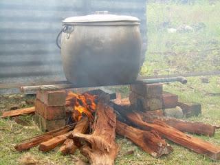 Jimat Kos Bahan Api A Macis Dan Geth Kering Seandainya Cuaca Sejuk Boleh Pakat Ramai Dengan Family Camping Depan Dapur