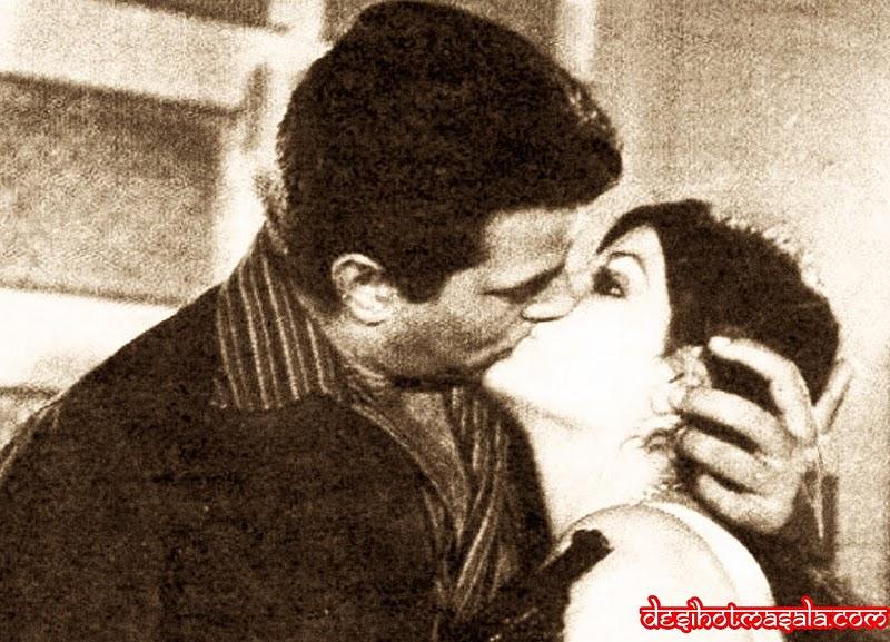 Zeenat Aman 11 Most HOT and Sexy Z...