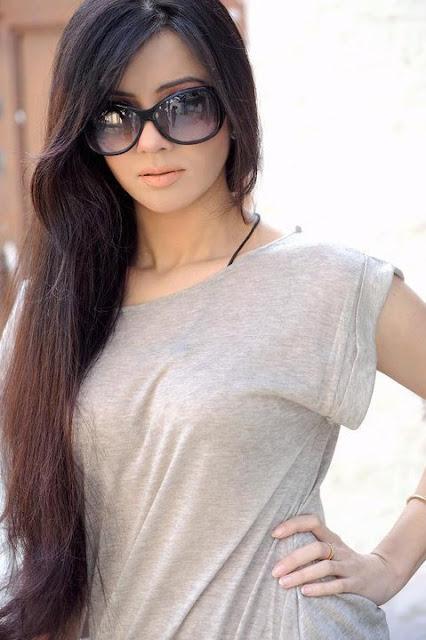Hot Celebrities Ayesha Khan 4-4530