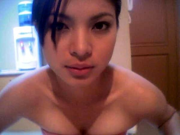 Hot Candy Girls: Angel Locsin Old Skul Swimwear