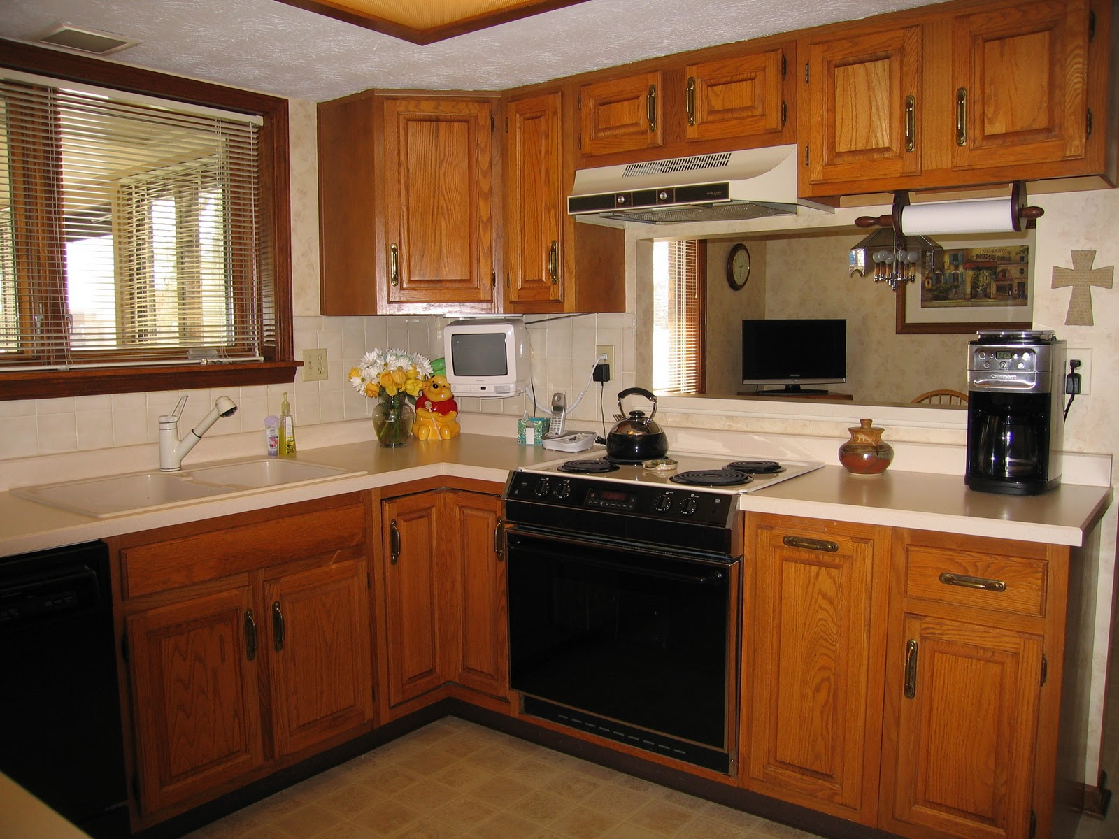 U Shaped Kitchen Complete With Oak Cabinets And Drop Ceiling