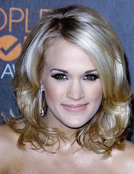 Carrie Underwood In Gorgeous Cute Medium Hairstyle 2010 Best Short