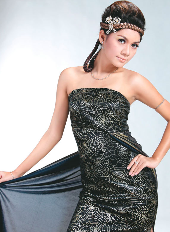 Wutt Hmone Shwe Yi with Lovely Strapless Gown