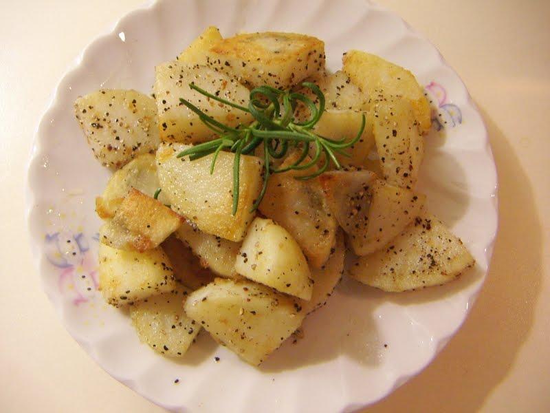 強尼雜記: 黑胡椒迷迭香香煎馬鈴薯