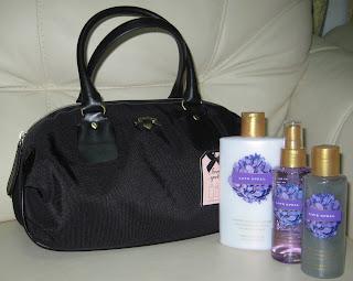 90855b7bd11 Shop Sarah s  VICTORIA S SECRET - Gift sets for HIM and Bags