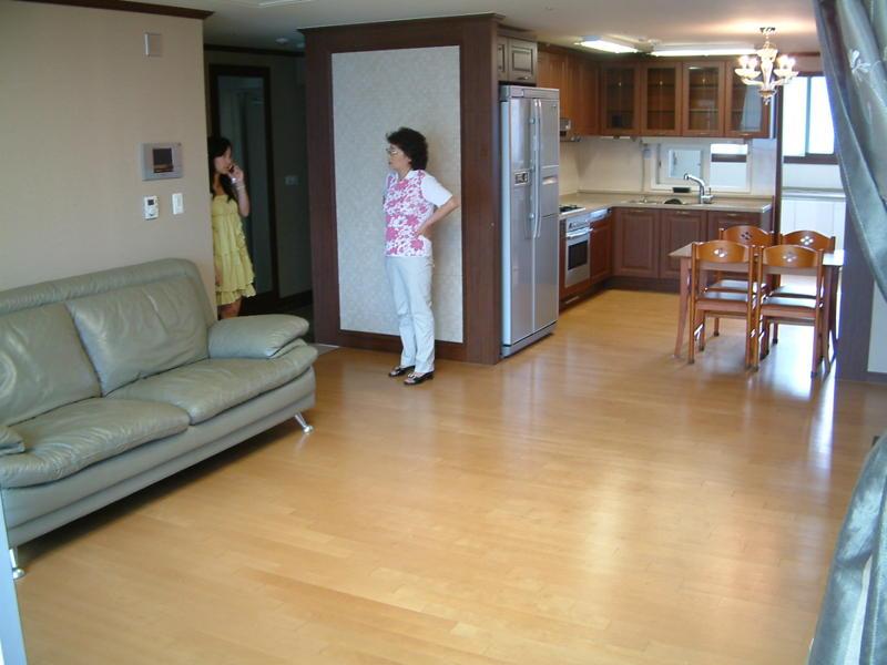 South Korea: Our S. Korean Apartment