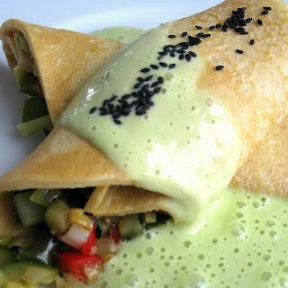 Dinkel-Gemüse-Pfannkuchen mit Petersilien-Gins-Sauce  | Arthurs Tochter kocht von Astrid Paul. Der Blog für Food, Wine, Travel & Love