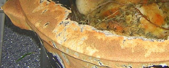 Bräter mit Salzteig verschließen für: Hahn mit mindestens 60 Knoblauchzehen und verschieden Varianten | Arthurs Tochter kocht von Astrid Paul. Der Blog für Food, Wine, Travel & Love