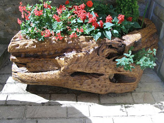 Arboles de karrantza y de otros lugares tronco macetero for Jardineras para arboles grandes