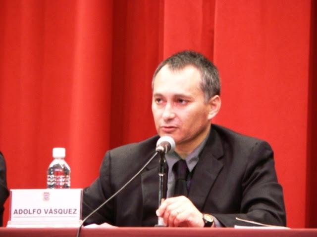 http://3.bp.blogspot.com/_ul8RYAVFoeg/RyDUfJYY33I/AAAAAAAAAmw/dXbIloVlrRY/s320/1+Adolfo+Vasquez+Rocca+Conferencia++Nietzsche+2007+Mex+.JPG