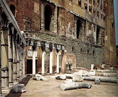 Il foro romano for Come aggiornare le colonne del portico anteriore