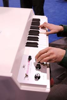Waveformless: Free Mellotron Samples!