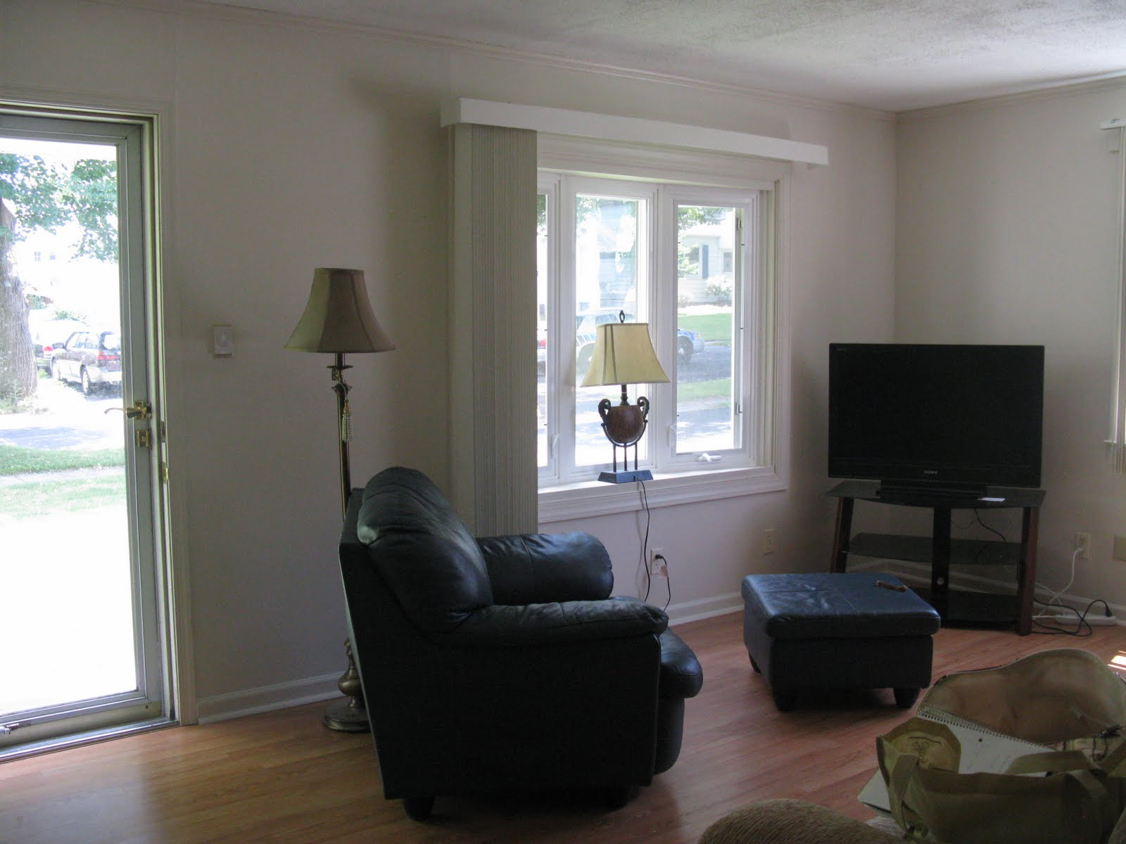 Tiny Home Designs: LoveYourRoom: Small Awkward Living Room Becomes Beautiful