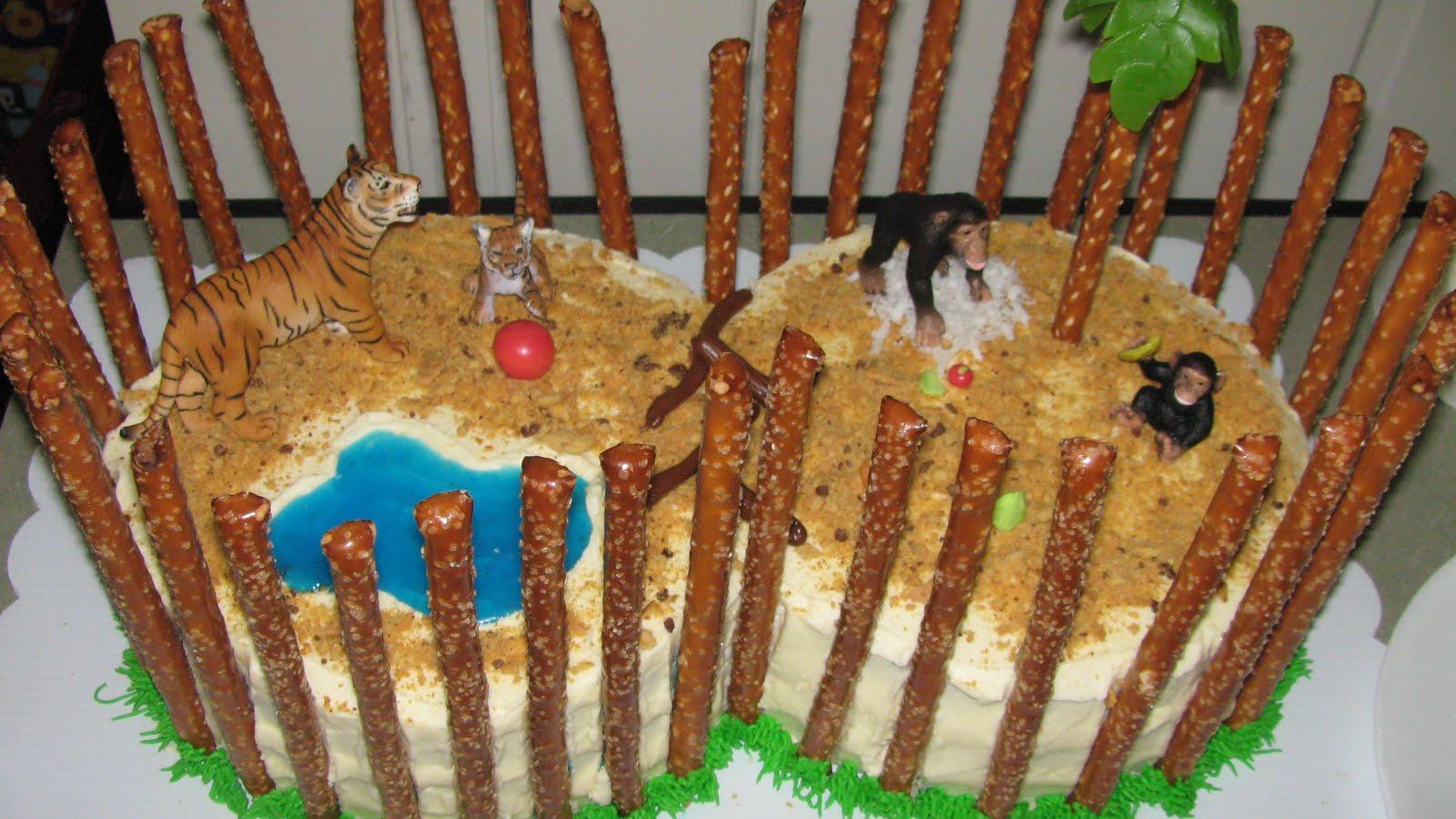 Jonahs Birthday Zoo Birthday Cake Mommy Blogs Justmommies