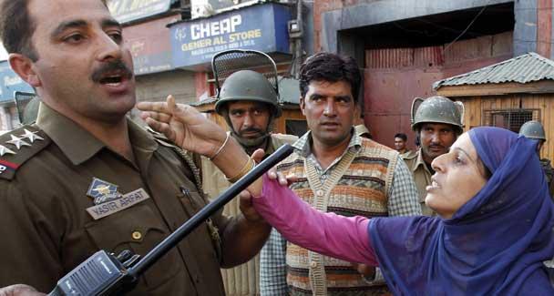 Pemerintah India Menghapus Sejarah Kashmir