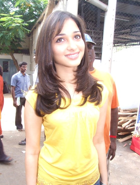 tamanna sexy boobs