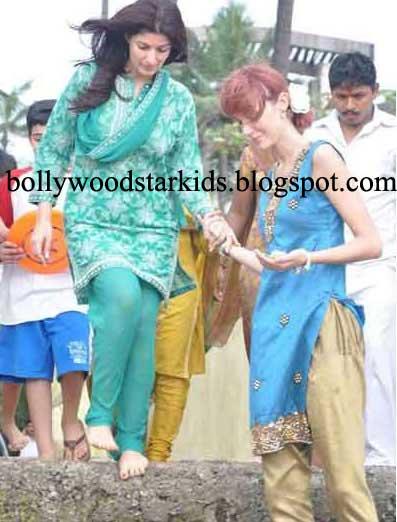 Twinkle Khanna Kids Bollywood Star ...