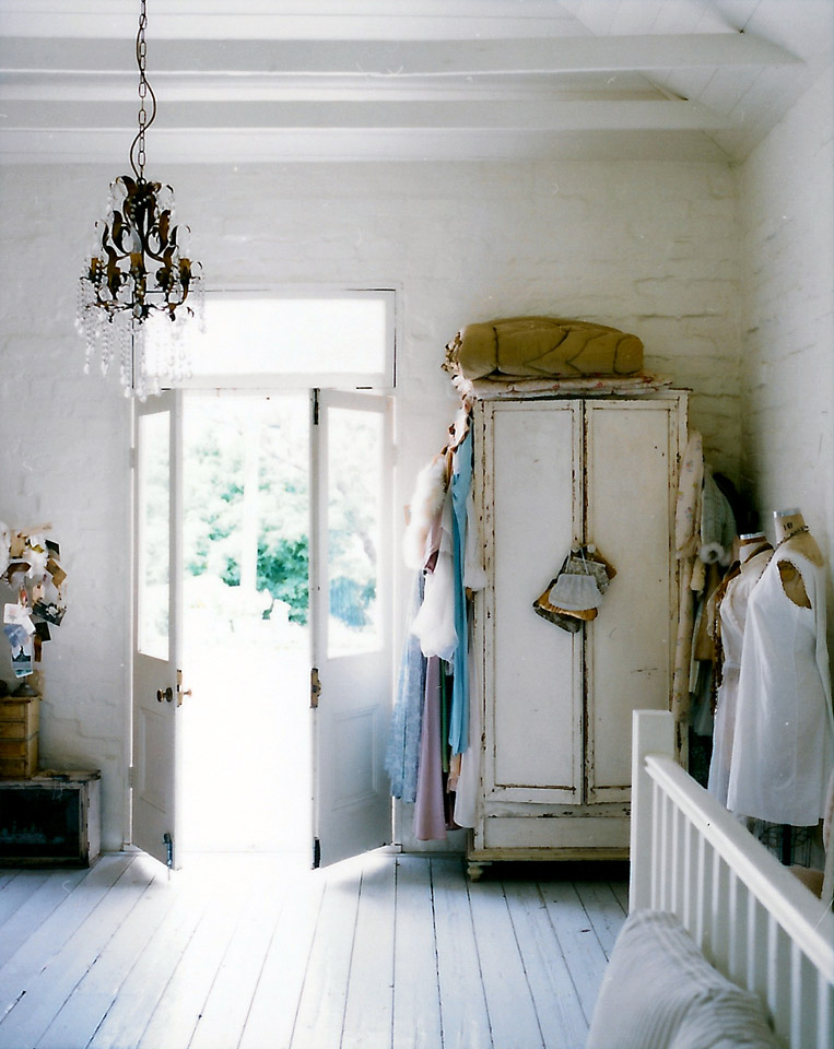 Adored vintage shabby chic vintage home inspirations - What is shabby chic ...