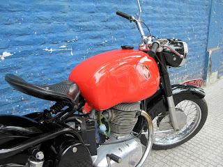 MOTOS PARA EL RECUERDO DE LOS ESPAÑOLES-http://3.bp.blogspot.com/_vW7vuV1fMWs/ScmIAEn7zLI/AAAAAAAAACU/QZo9kKL0T9o/s320/IMG_0047.JPG