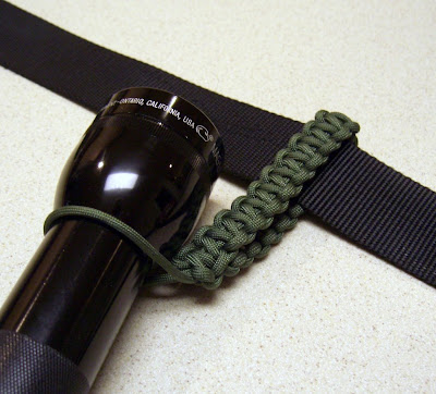 Stormdrane's Blog: Paracord flashlight belt holder