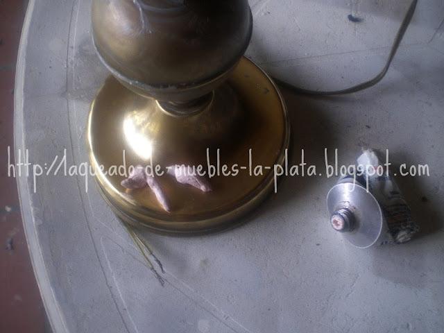 Pulir objetos de bronce
