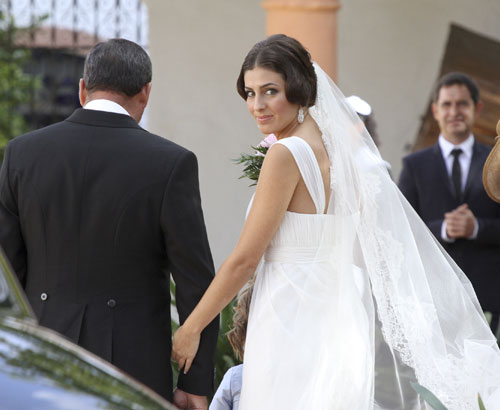 Bodas toreras famoseo tipos de boda confesiones de una boda for Cayetano rivera y blanca romero boda