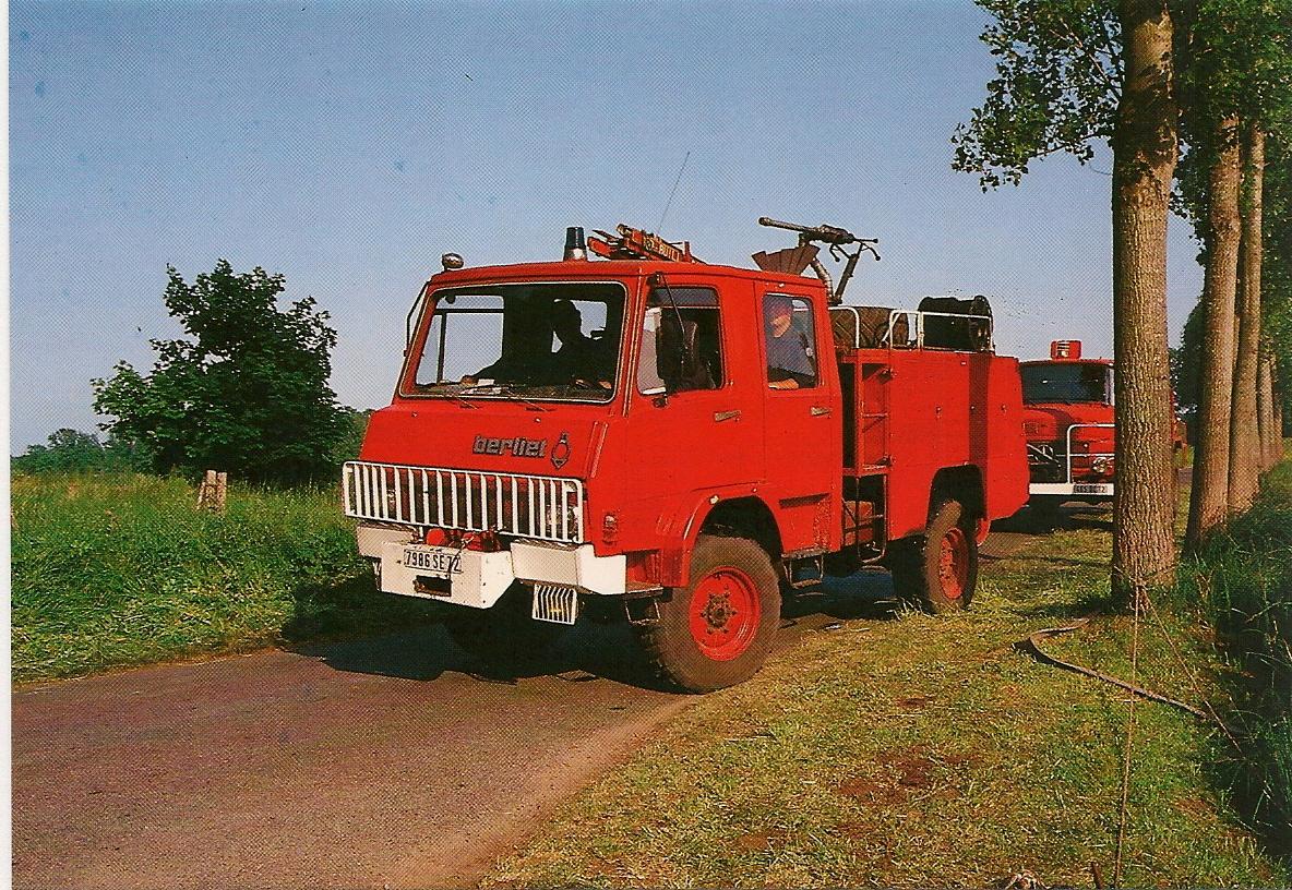 Collectionneur de timbres et de cartes postales: Cartes Postales de Sapeurs Pompiers