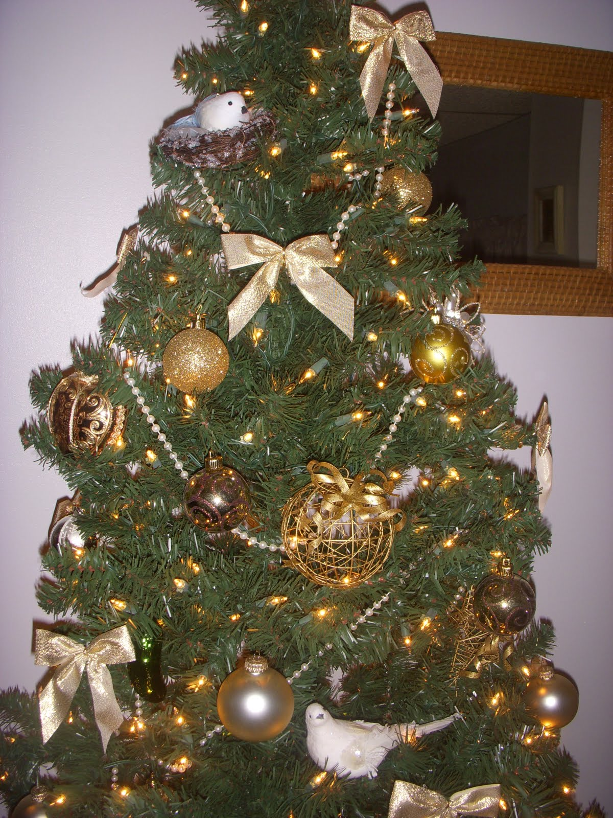 Schnelle: Our Classy Christmas Tree