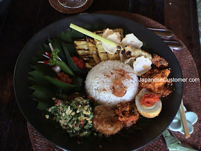 A delicious meal in Indonesia Copyright Peter Hanami 2008