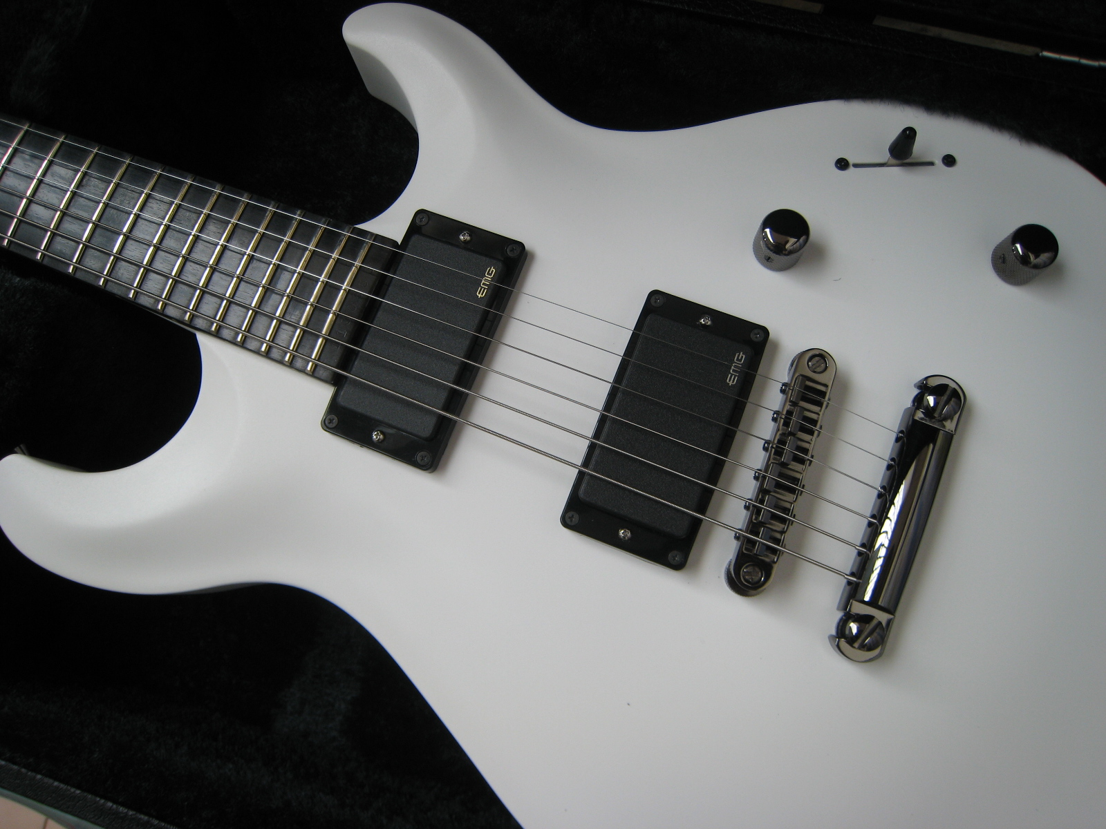 guitar gear acquisition syndrome review of caparison angelus hgs gm pro white. Black Bedroom Furniture Sets. Home Design Ideas