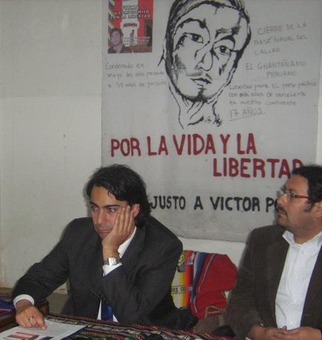 Marco Enriquez-Ominami (detras de imagen de Polay Campos)