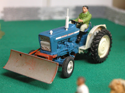 Britains Farm Toys: My first Ford 5000