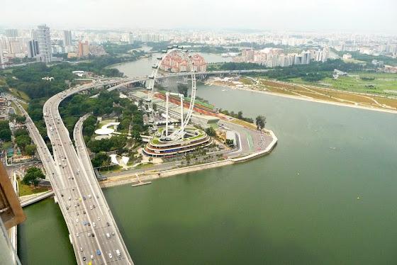 Más vistas desde el Marina Bay Sand Hotel en Singapur