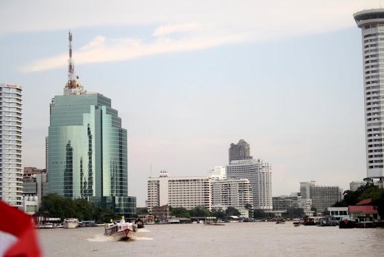 Esto edificios modernos son muy altos
