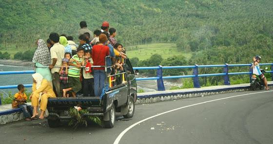 Así viaja la gente en Senggigi, Indonesia