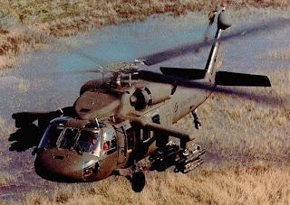 Blackhawk modificado para levar mísseis Spike ER