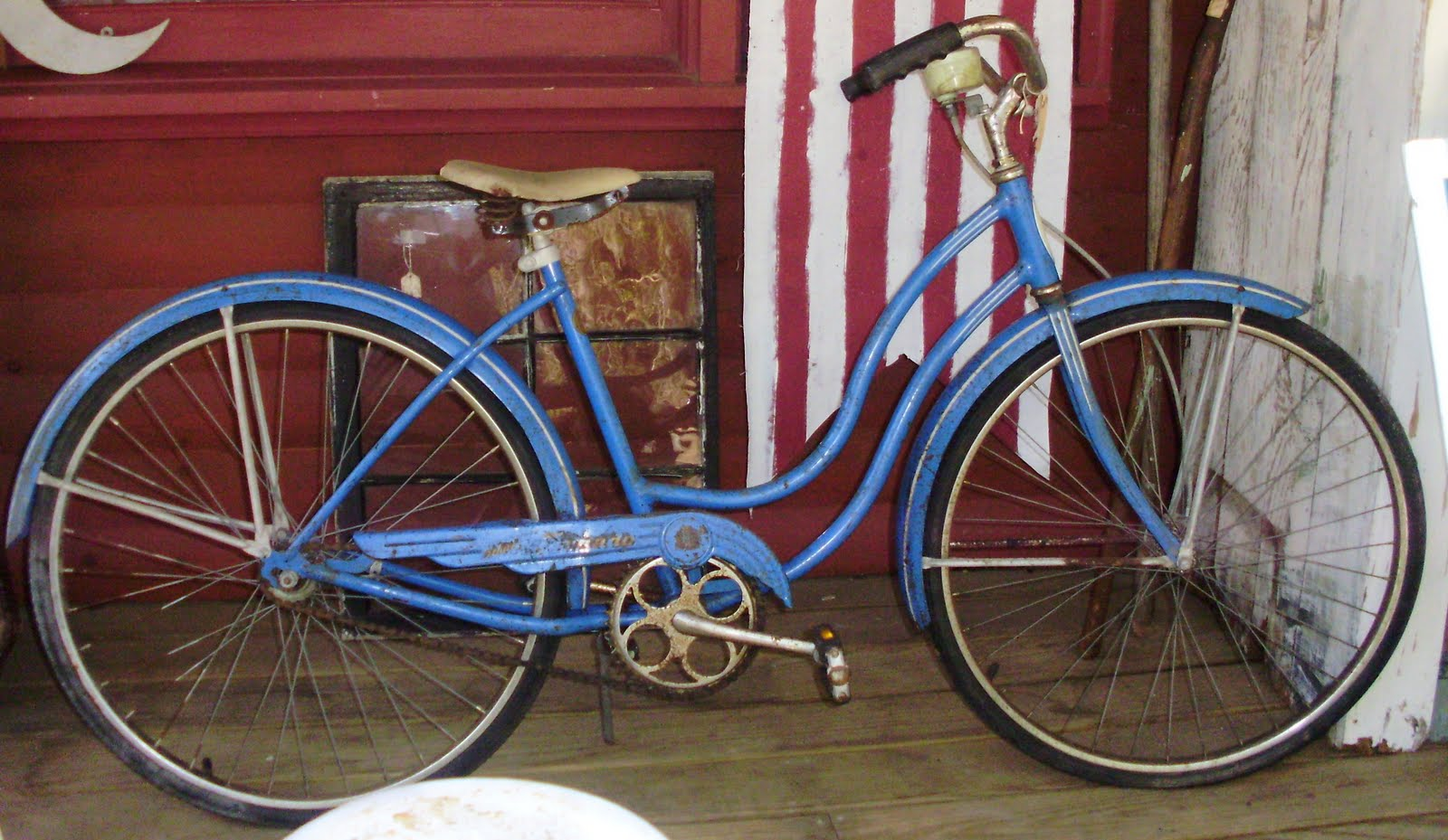 7bc7a85d1b2 Log Cabin Antiques & Gifts: Fantastic Schwinn Tornado girl's bike