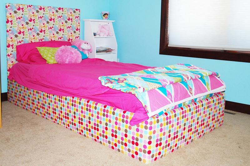 sweet alice mae custom bed. Black Bedroom Furniture Sets. Home Design Ideas