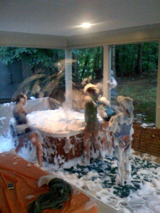 Lemons And Laundry Bubble Bath Hot Tub