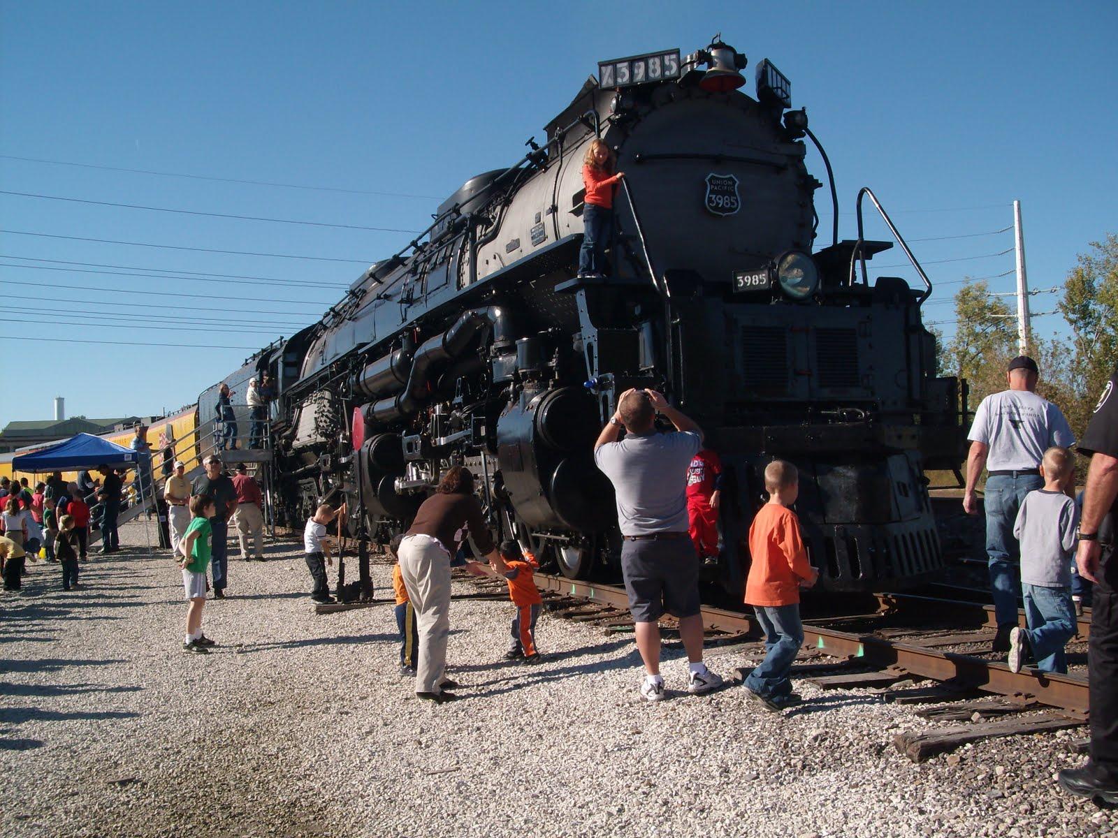 Osage Bluff Quilter: The Worlds Largest Steam Locomotive