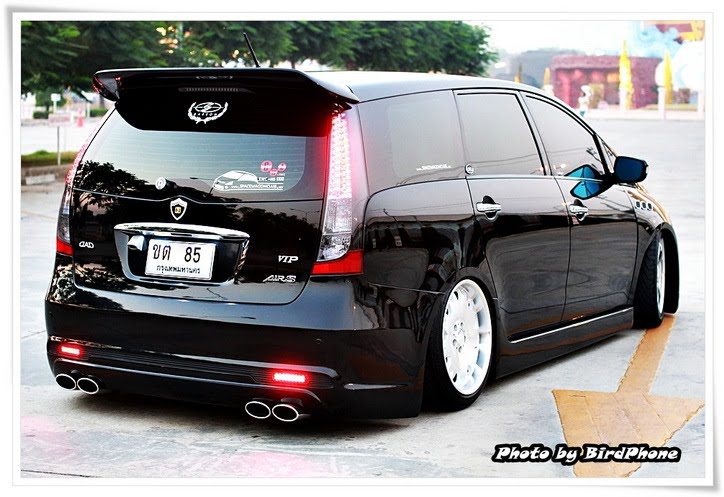 Seven X Motors >> Wagon LifeStyle: Thailand: Mitsubishi Space Wagon aka Grandis