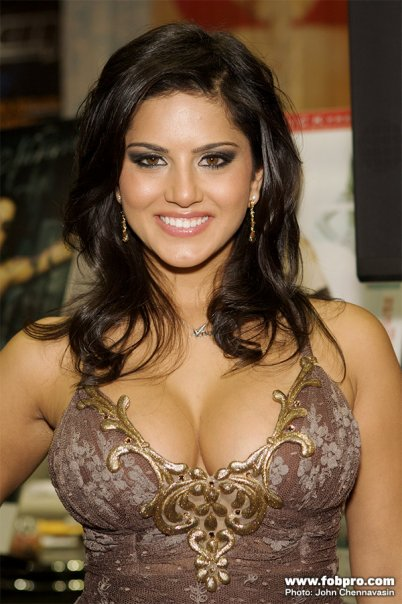 Sunny leone hot performance in ragini mms 2 2014 lowggggggd - 1 1
