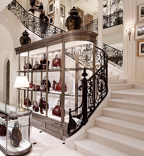 16 Elegant Traditional Staircase Designs That Will Amaze You: Rooms Bloom: Ralph Lauren