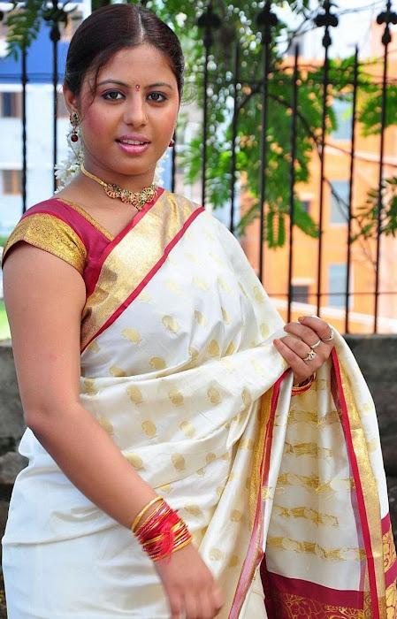 sunakshi masala in cool saree hot images