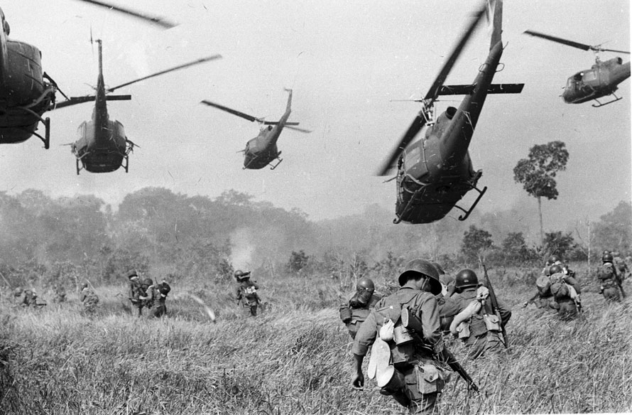 itsacomplexstory intense photo essay on the vietnam war intense photo essay on the vietnam war