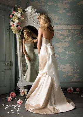 imagen novia sola espejo