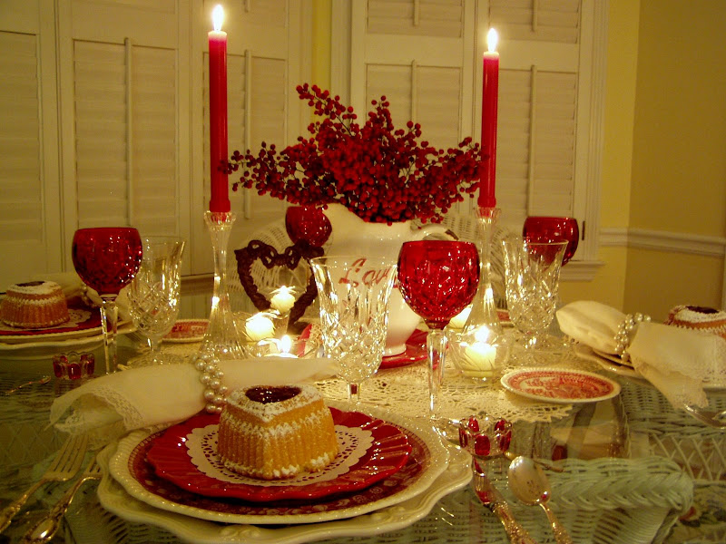 Valentineu0027s Table Setting Tablescape & Romantic Valentineu0027s Day Tablescapes Table Settings with Heart ...