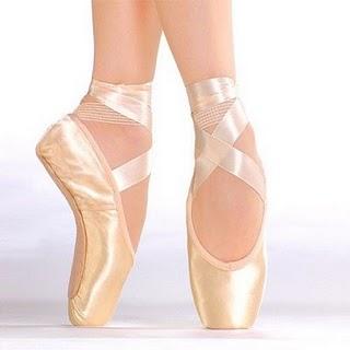 007f36a037b2d São sapatilhas bonitas, bem acabadas, em geral confortáveis, mas possuem um  custo mais elevado que a Capezio e a Milleniun. É usada em grandes escolas  ...