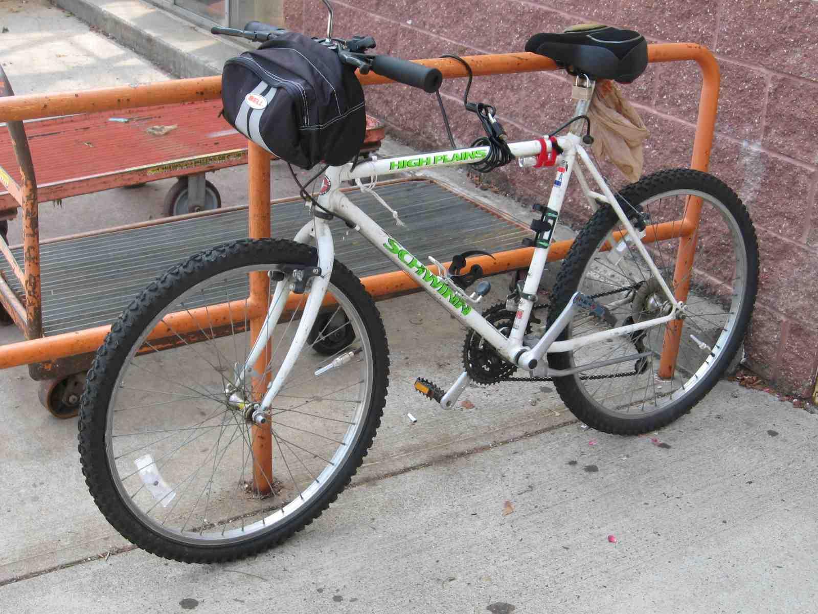 b203f8c3ff7 the beat bike blog: Bikes Outside: High Plains Drifter Makes My Day